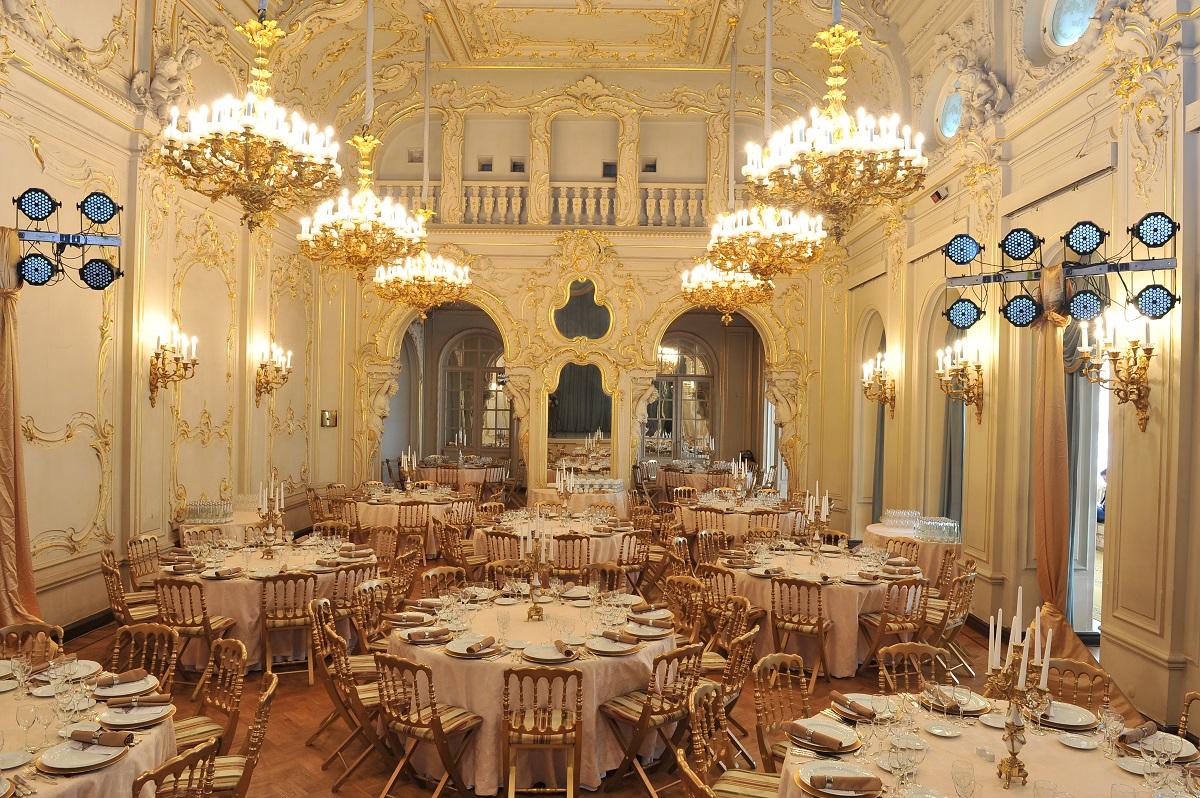 Russian Restaurant Treasure Island